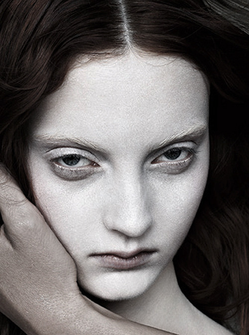Editorial detail of the haunting Codie Young photographed by Ovini Boris for Exhibition Dorian Issue