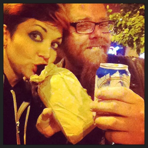 Me n Johnny n his bag … #brownbagginit (at Tin Can Pub)