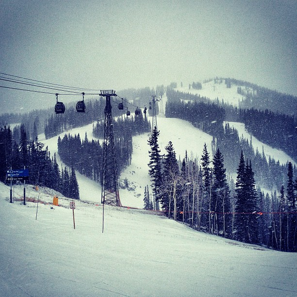 aspensnowmass:  The storm is here! Bring it, Mother Nature. #snow (at Aspen Mountain)