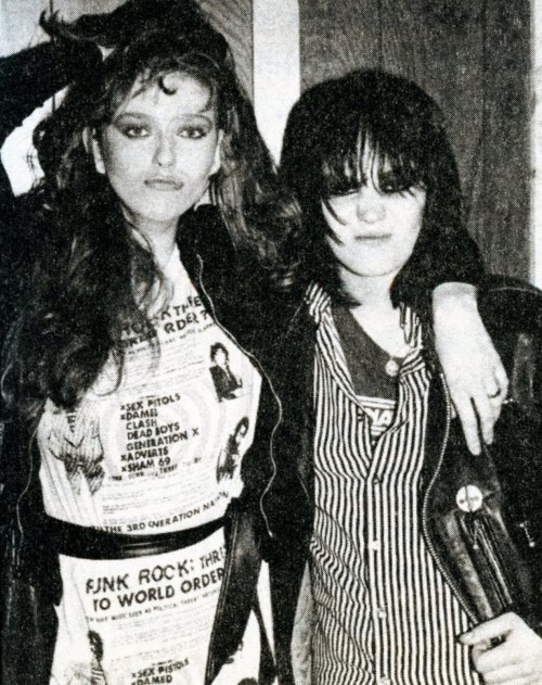 sistermorphinelovescookies:  Bebe Buell and Joan Jett, late 1970s