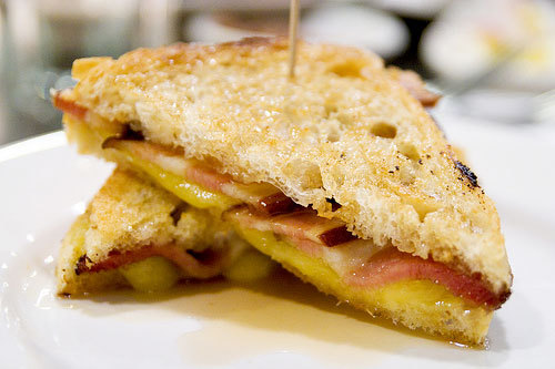 yummyfoooooood:  Bacon Grilled Cheese