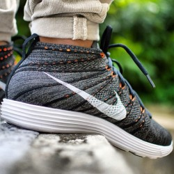 sizeofficial:  Thanks to @linio, we're getting ready for the Nike Flyknit Lunar Chukka 'Midnight Fog' which will be landing next week. #size #nike #flyknit #lunar #chukka #sizehq  (at www.size.co.uk)