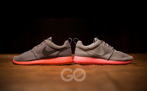 sneakerphotogrvphy:  Mango vs. Mango v2 by seango on Flickr.