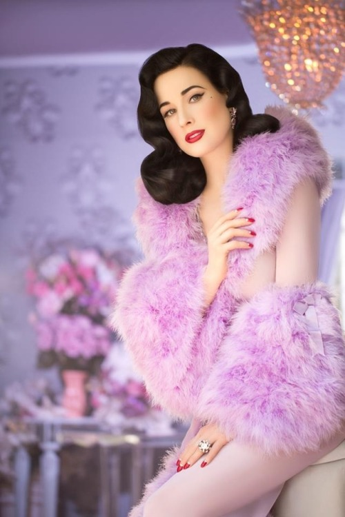 theladyingenue:  A capture from Dita's 3rd perfume