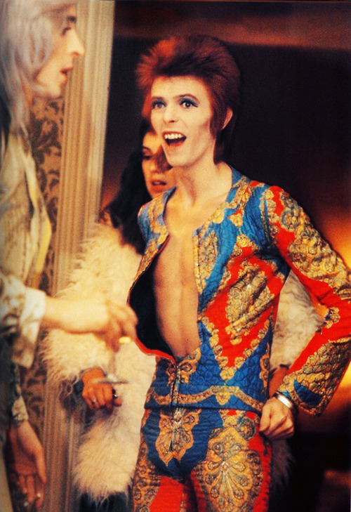 66lanvin:  vintagegal:  David Bowie  THE glamorous LIFE…………No.1
