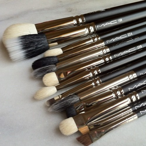 foreverglittergirl17:  MAC brushes!