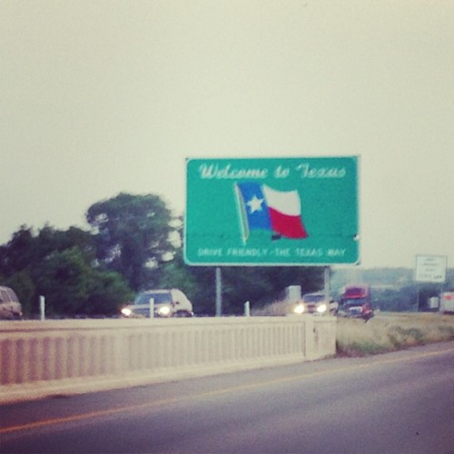 What a beautiful sign lol✌🇺🇸 (at TEXAS!!!)