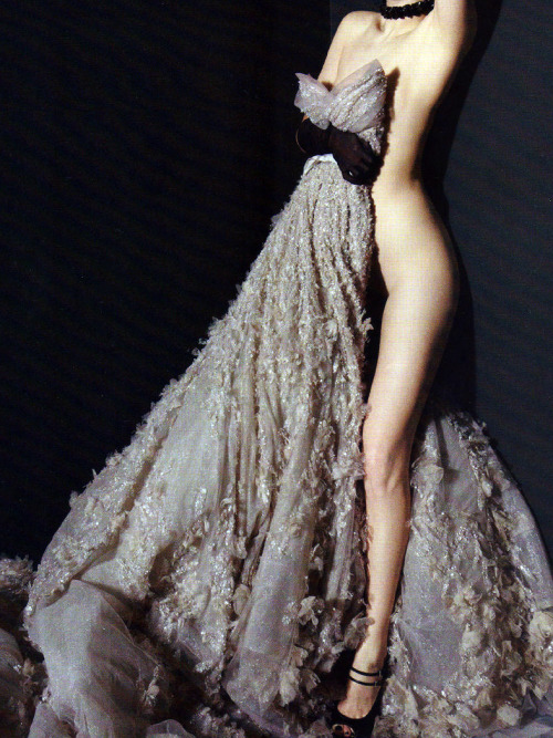 abigaildonaldson:  Elie Saab Couture gown photographed by Camille Vivier for Harper's Bazaar Russia April 2011