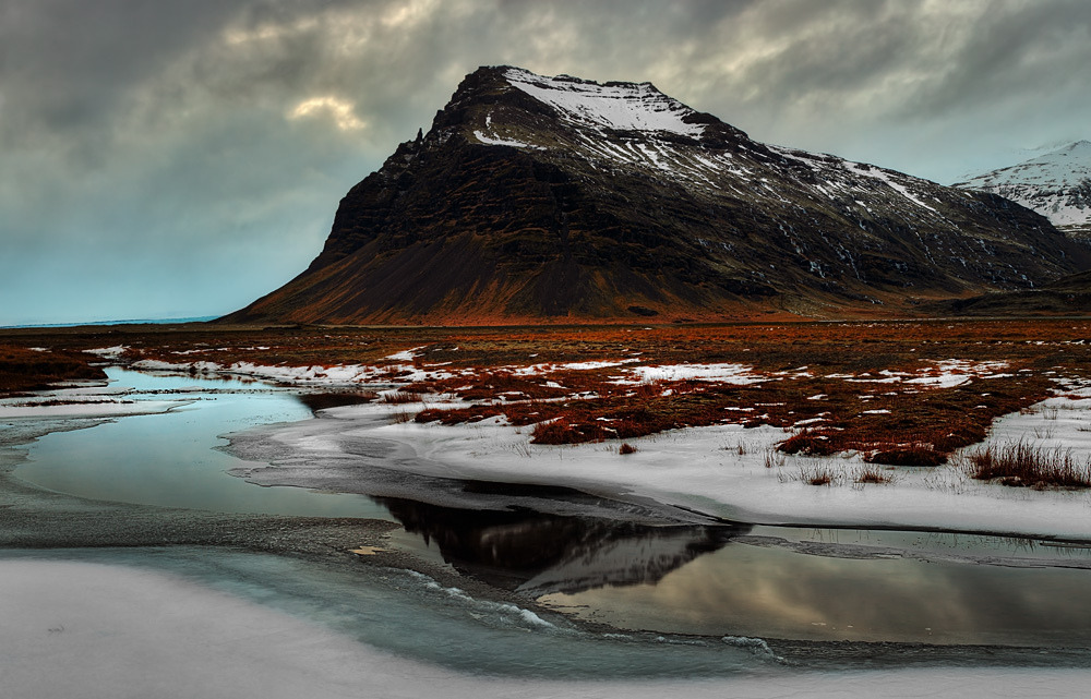 definitelydope:  Fell pano (by Iceland Aurora (Photo Tours))