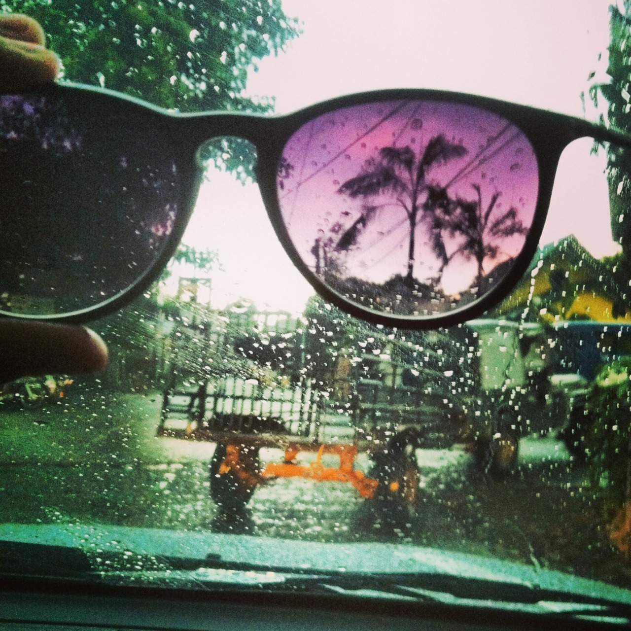 liletsicat:  I smell and see the rain over the sunglasses I wore during the summer as I say goodbye and thank you for the memories
