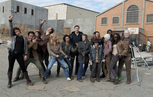raquel-roman:  walkingdeadamc:  The Season 3 TWD Family. Thanks for watching, everyone!  I can't handle it.