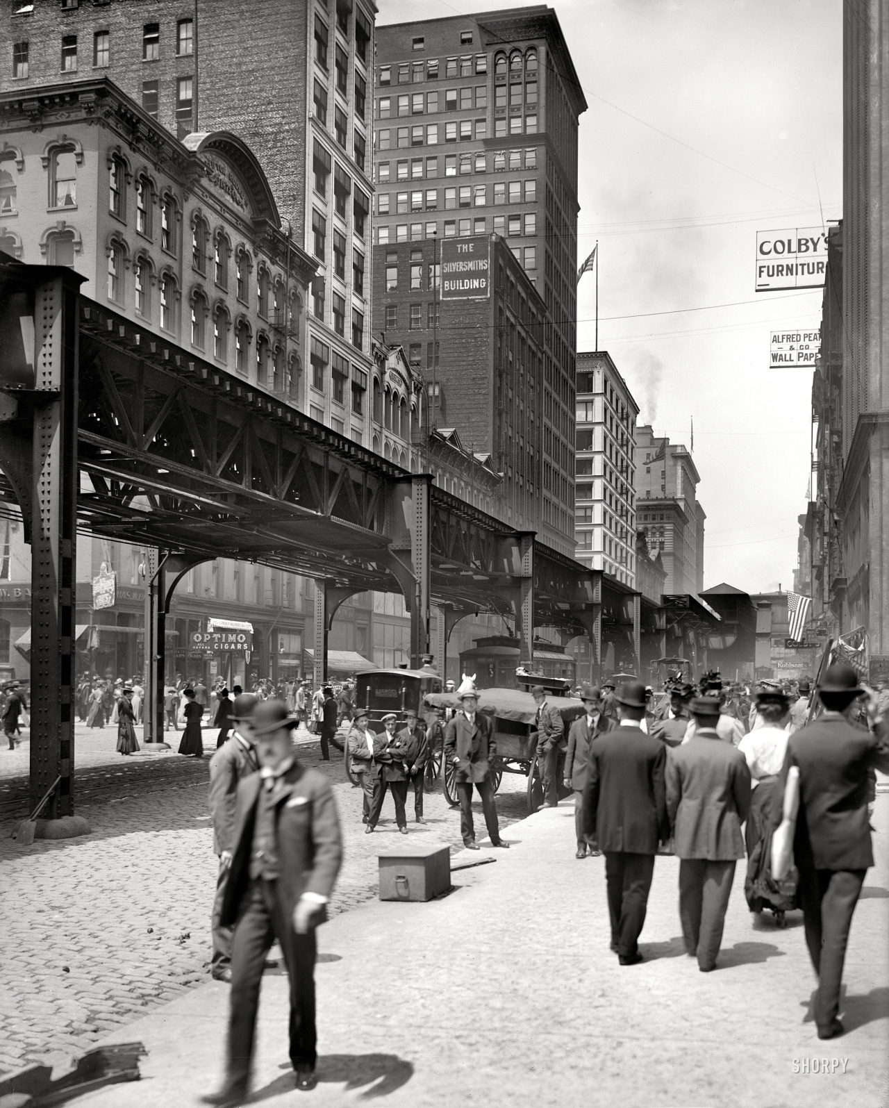 Along the El. Chicago, circa 1907. By Hans Behm