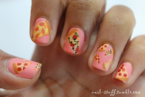 Nails Of The Day: NAILS OF THE DAYby From Our Readers  http://bit.ly/TRAYzF