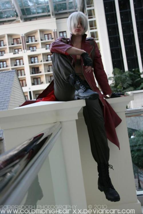 Was cleaning out my old photos and remembered that one time i cosplayed Dante 3 years ago and wondered and why I didnt cosplay it again. then I remembered the hundreds of other cosplays ive been doing and still want to do.