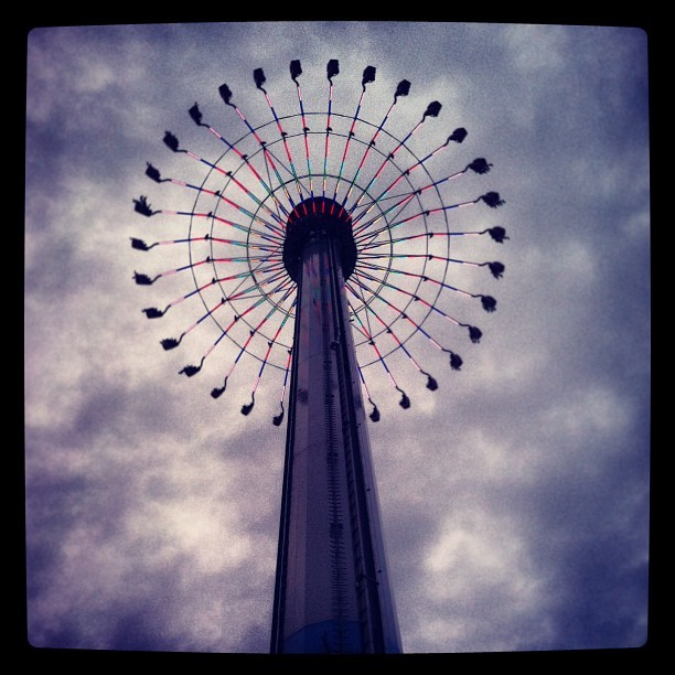 The swings at kings island. #toohigh #skyhigh #clouds #beautiful #swings #scary #jk #notreally #kingsisland