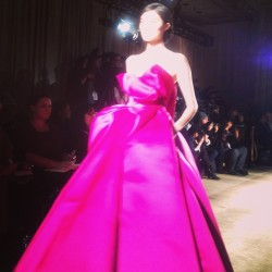 Sui He in fuchsia stunner @MarchesaFashion. BA #nyfw