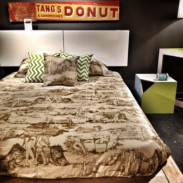 Hot sheets! Literally! 😏 #interiordesign @vicemerchants @bobbyberk!  (at Bobby Berk Home @bobbyberkhome)