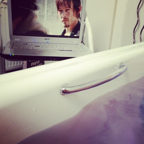 In a purple bath watching the walking dead 😇