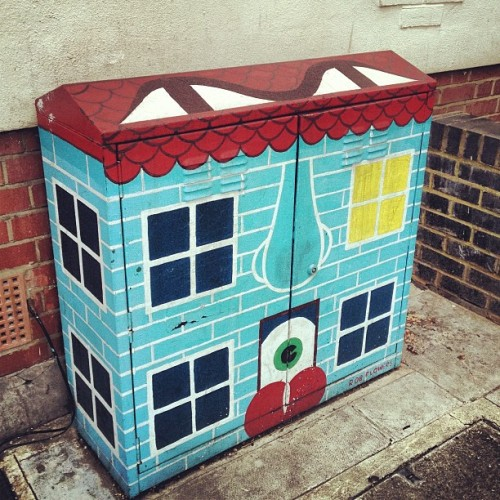 Painted Electrical Box No.1 #whitcross #streetart #london #islington #neighbourhood #randomtypography  (at Whitecross Street Market)