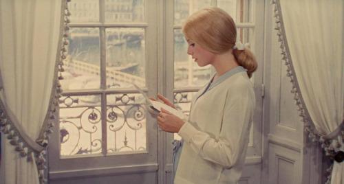 womeninthewindow:  Les parapluies de Cherbourg (Jacques Demy, 1984)