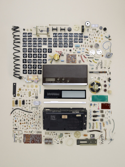 laughingsquid: Things Come Apart, Beautiful Photos Of Disassembled Technology by Todd McLellan