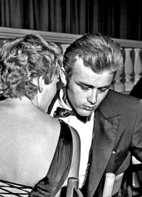 theniftyfifties:  Ursula Andress and James Dean
