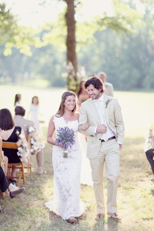 ido-dreams:  Limn & Lovely  Love the lavender bouquet and beige suit!