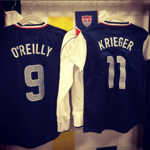 heather-oreilly:  @HeatherOReilly: Teammates one week, opposite sides of the pitch the next @AlexBKrieger 😁 Cant wait for the match tomorrow! #NWSL pic.twitter.com/LbAHr9NHeJ