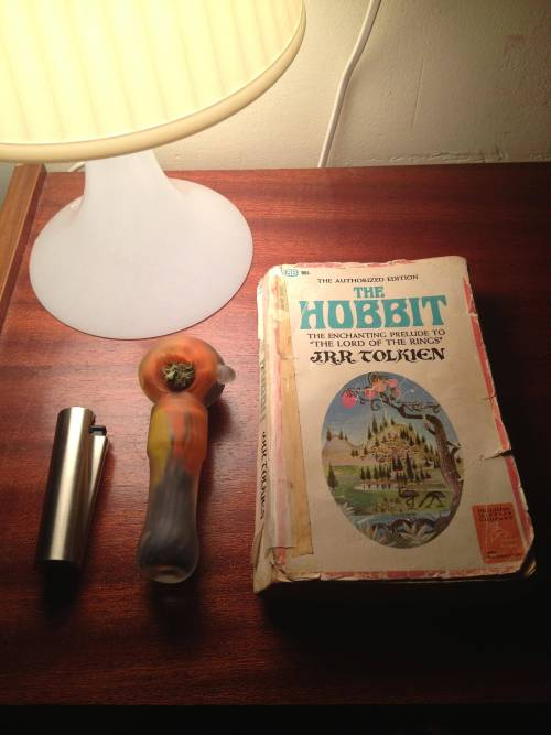weedporndaily:  420 BLAZE IT HOBBIT