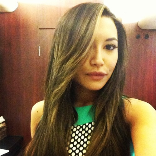 nayarivera: Santana's got a new do! Highlights compliments of @goodformsalon papa @clydehairgod held my hand the whole time!