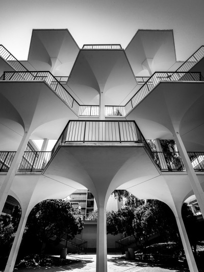 rhymeswithellen:  elayyuaray:  glrn:  arkitekcher:  UCSD / The Breezeway - Revelle College | Photo : Darren Bradley  people never believe me when i say i think revelle is beautiful in its own special way. this photo captures and highlights exactly what it is i appreciate about it.  i actually really love walking through this part of revelle.. but living here sucks, dammit  this is my favorite part of revelle