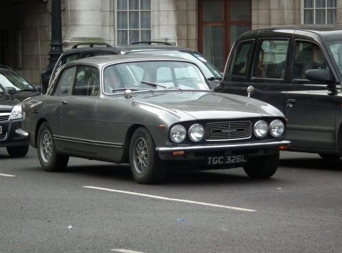 Upper echelon Starring: '73 Bristol 411 (by kenjonbro)