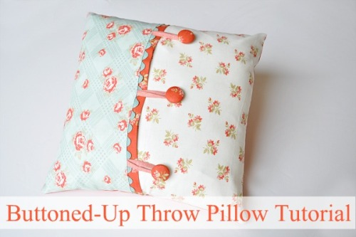 Tutorial – Buttoned Up Throw Pillow