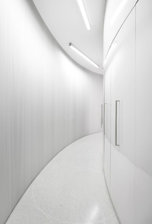 7while23:  Lordelo Pharmacy by architect Jose Carlos Cruz