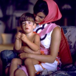 mrsjohnfkennedy:  First Lady Jacqueline Kennedy and son John F Kennedy Jr