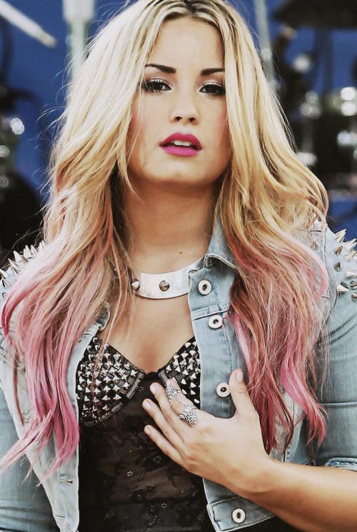 favourite pictures of demi lovato (2/100)