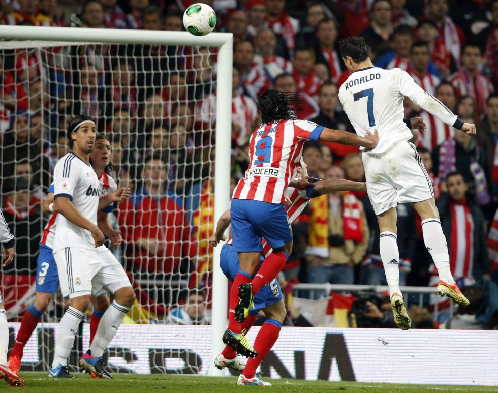 Best moment of a frustrating match. Copa del Rey final Real Madrid vs. Atlético Madrid 1:2, 17.05.2013(14' Cristiano Ronaldo, 36' Costa, 98' Miranda)