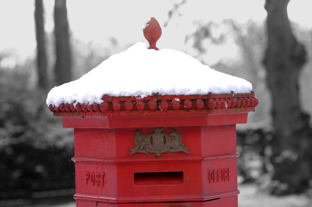 Red post box in Luton's Wardown Park. The theme of this months photo competition is 'Red', so get snapping and you could win a meal for two at Jimmy's World Grill & Bar. https://www.facebook.com/heraldandpost/app_203351739677351 Photo by Joanna Cross
