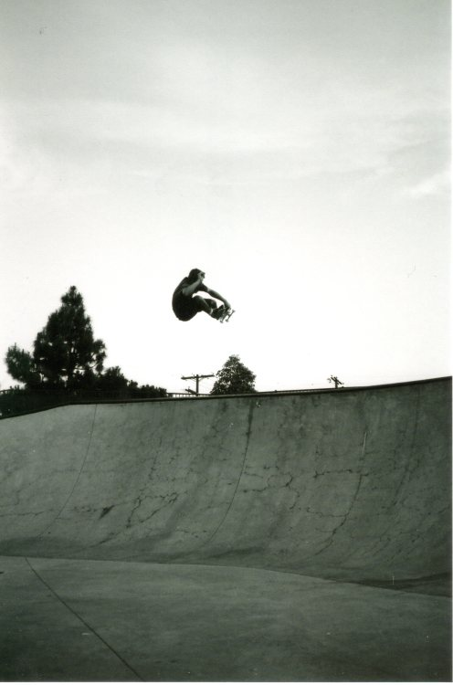 building-a-desert:  Erick Winkowski blasts a frontside air. May 2013