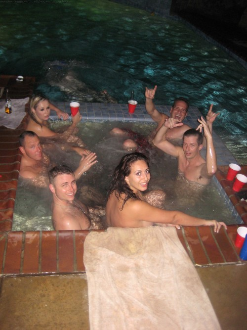 Nude hot tub parties