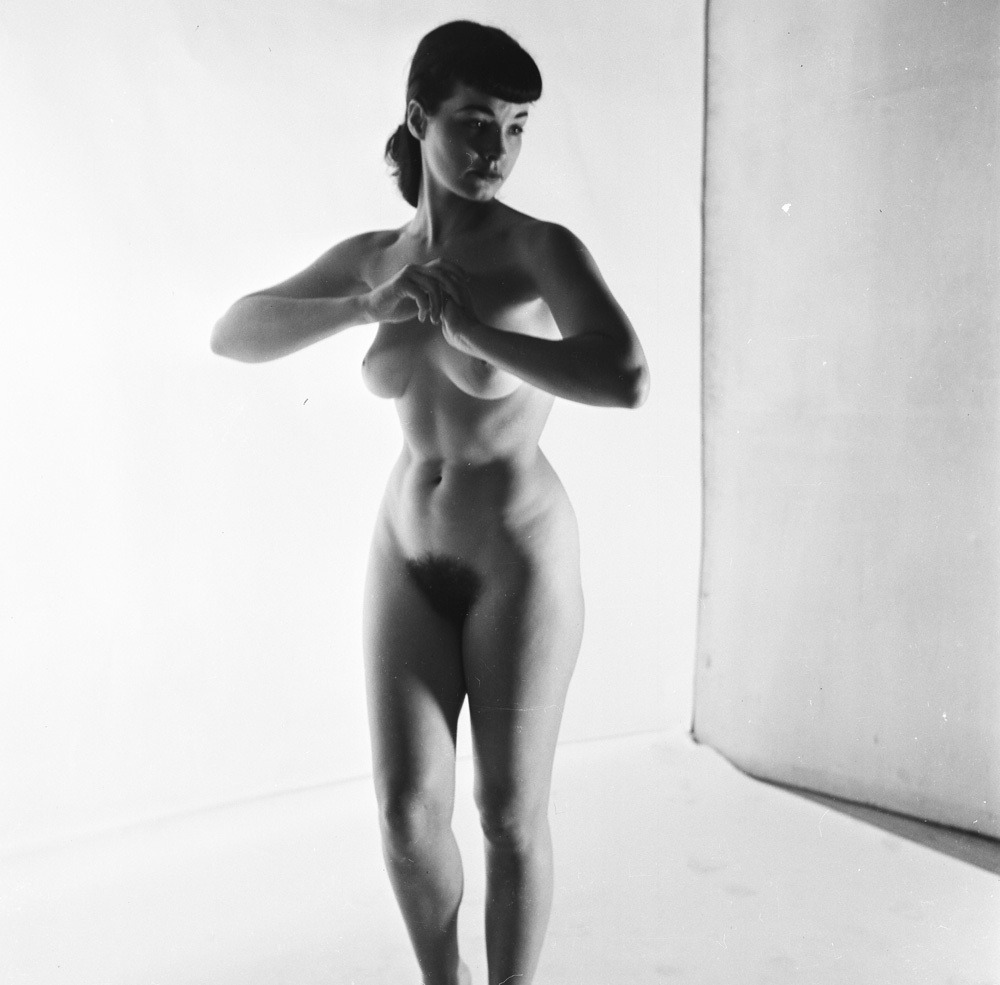littlebunnysunshine:  RARE 1950'S PETER BASCH PHOTO OF BETTIE PAGE