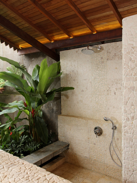 Outdoor shower room. By Iwan Sastrawiguna Interior Design. http://moorbay.tumblr.com