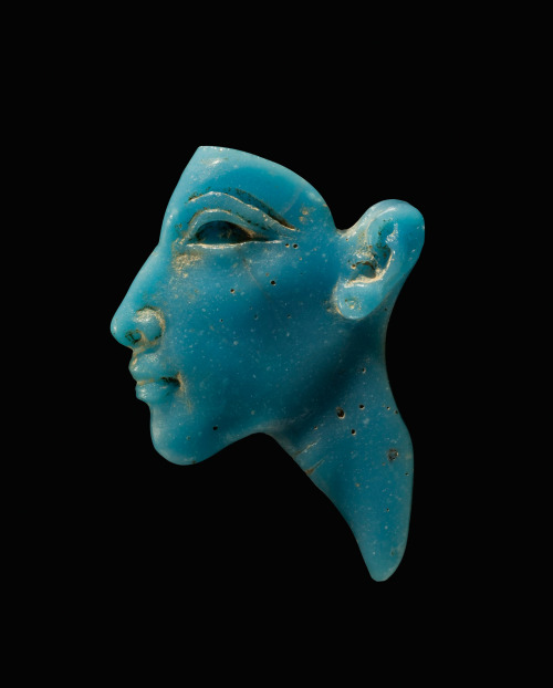 isgandar:  Face Inlay of the Pharaon AkhenatenEgypt, New Kingdom, Amarna Period, Dynasty XVIII, about 1353-1336 BC Collection of The Corning Museum of Glass, Corning, NY