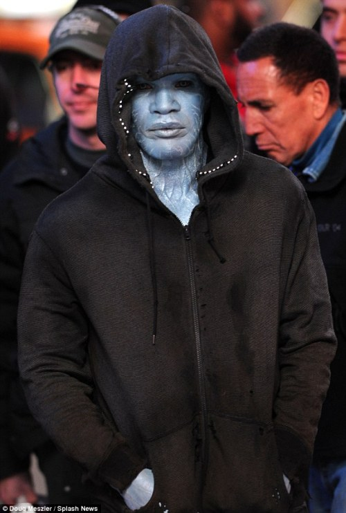 First Set Photo of Jamie Foxx as'The Amazing Spider-Man 2' Villain Electro | Daily Mail