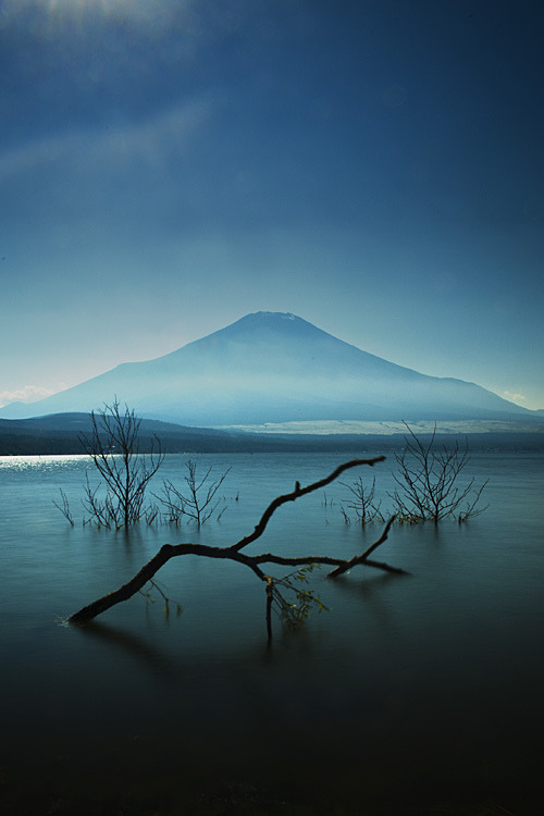 4nimalparty:  Mt. Fuji (by bsmethers)