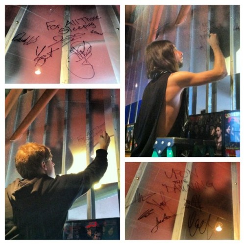 Upon This Dawning and For All Those Sleeping joined our AP autograph wall today! #uponthisdawning #forallthosesleeping #altpress