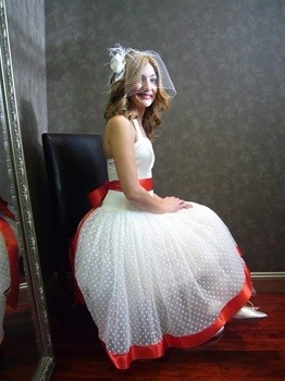 Pin up girl wedding dress from www.weddingdressfantasy.com