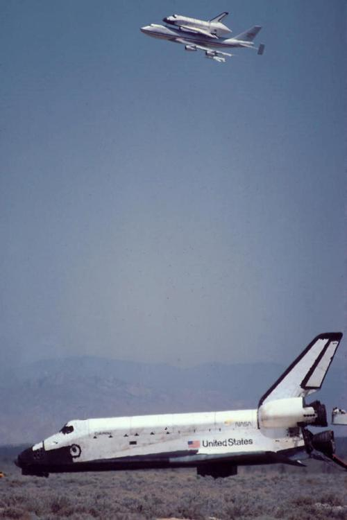lemshavefaces:  unstablemonkey:  Columbia and Challenger together  kinda eerie..sad, too.  The really eerie part is that Dick Scobee was one of the carrier jet pilots in this flyover.