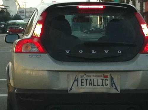 Creative Metallica License Plate Just when you thought metal plates couldn't get any more metal.
