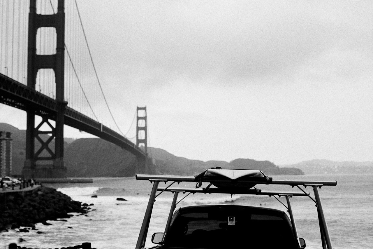 shakasandsinglefins:  Sunday Surf Check, 2013  Fort Point - Surfrider